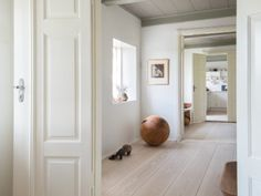 Hotels & Lodging: Casa Bonay in Barcelona - Remodelista Interior Simple, Home Interior, Casa Bonay, Natural Flooring, Tadelakt, Interiores Design, Hardwood Floors, Wood Flooring, Kitchen Remodel