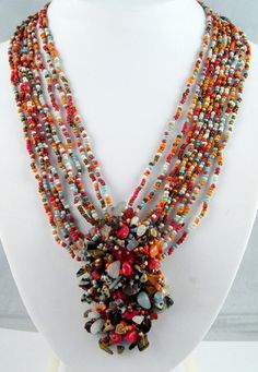 Beaded Jewelry---oh I really like this & would be wearable with almost everything