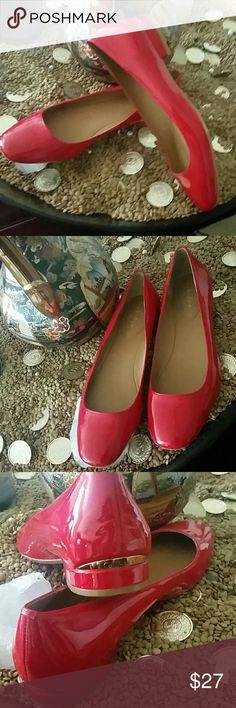 CALVIN KLEIN DIVA RED PATENT FLATS SHOES Gorgepus CALVIN KLEIN FLATS RED PATENT FLATS SHOES, HEELS HAS AN ACCENTED GOLD TONE TRIM WITH CALVIN KLEIN LOGO. STUNNING SHOES. Brand New  SIZE 7  FREE GIFT INCLUDED CALVIN KLEIN Shoes Flats & Loafers