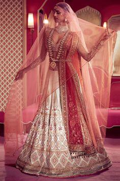 Ivory Embroidered Bridal Lehenga Set Design by Tarun Tahiliani at Pernia's Pop Up Shop Designer Bridal Lehenga, Latest Bridal Lehenga, Wedding Lehenga Designs, Indian Bridal Lehenga, Indian Bridal Outfits, Indian Bridal Wear, Indian Designer Outfits, Indian Dresses, Bridal Dresses
