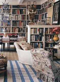 Eye For Design: Create A Cozy Old World Reading Space Interior Exterior, Interior Design, Cosy Home, Library Room, Home Libraries, Living Spaces, Living Room, Book Nooks, Reading Nooks