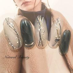 #冬 #ブライダル #お正月 #成人式 #ハンド #ホイル #ミディアム #ホワイト #ネイビー #ジェルネイル #ネイルチップ #naturalbeauty #ネイルブック