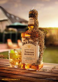 Jack Daniels 'Draws a Crowd' by The Incredible Picture Machine ., via #Behance #Ad #Print