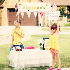 Lemonade Stand and Printables from Scattered Thoughts of a Crafty Mom
