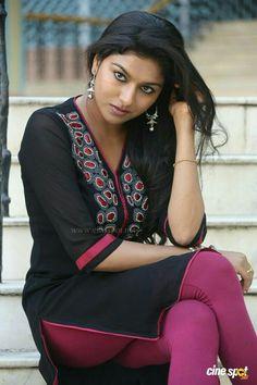 Akshitha at Silk India Expo 2014 Beautiful Girl Indian, Beautiful Indian Actress, Curvy Girl Lingerie, Bollywood Bikini, Indian People, Indian Girls Images, Cute Girl Pic, Stylish Girl Images, Indian Beauty Saree
