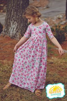 Little Girl Christmas Dresses, Girls Christmas Outfits, Little Girl Dresses, Girls Dresses Sewing, Girls Maxi Dresses, Dresses With Sleeves, Simple Long Dress, Girls Ballet Dress, Long Dress Patterns