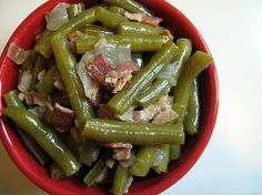 slow cooked green beans with bacon and onions