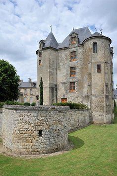 Donjon de Vic-sur-Aisne, France