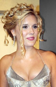 LAYERED HAIRSTYLES: GREAT AND BEAUTIFUL #prom yellow hairstyles