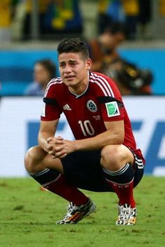 James Rodríguez con lágrimas en los ojos.
