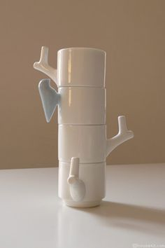 stacking mugs - handles that makes something : House42