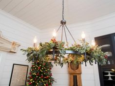 'Twas just before Christmas, and Joanna had a great idea: take a stately Victorian she spied on a home tour with clients, and turn it into a charming bed and breakfast -- Fixer Upper style. Check out the