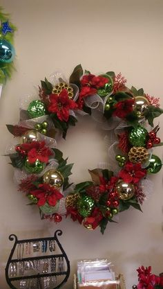 Learn How to Make Dollar Store Christmas Ball Ornament Wreaths christmaswreaths christmasornaments 642044490611353209 Dollar Store Christmas, Christmas Room, Christmas Projects, Christmas Holidays, Christmas Balls Decorations, Christmas Mesh Wreaths, Christmas Front Doors, Christmas Crafts, Christmas Ornaments