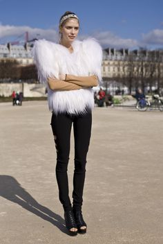 Streetpeeper.com Street Fashion Coat: White Furry Coat Headband: Sparkly Spiked Headband Top: Camel Top Pants: Black Shredded Pants Shoes: Black Platform Peep Toe Photo By: Phil Oh