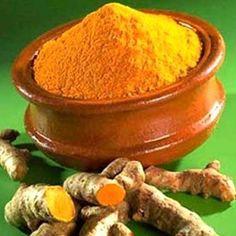 Originaire d'Asie, le curcuma (appelé également «safran des Indes) est une plante herbacée rhizomateuse vivace du genre Curcuma de la famille des Zingibér