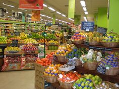 Senior discounts for grocery stores are hard to find, but they are out there. We keep our senior discount lists updated and listen to shoppers in the know! Here is our 2020 List of Senior Discounts For Grocery Stores! Fast Weight Loss Tips, Best Weight Loss, How To Lose Weight Fast, Losing Weight, Nutella, Discount Grocery, Frugal Tips, Food Waste, Grocery Store