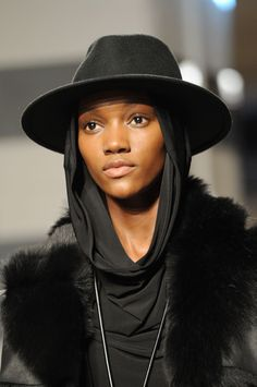 Kenneth Cole New York at New York Fashion Week Fall 2014 - Details Runway Photos Female Reference, Stylish Hats, Witch Aesthetic, Fantasy Costumes, Female Bodies, Female Face, Woman Face, Bellisima, Winter Hats