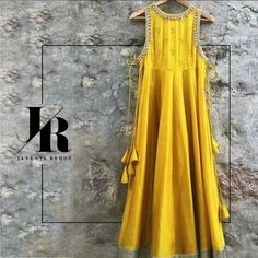 ♥dm for price and original picture ♥ 🎀it can be made in any possible colors🎀 Paytm ✔️bank transfer ✔️worldwide shipping ✔️ India Fashion, Ethnic Fashion, Women's Fashion, Kurta Designs, Blouse Designs, Indian Dresses, Indian Outfits, Mode Bollywood, Anarkali Dress