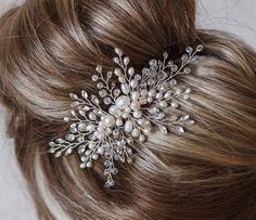 Wedding hair comb ❗FREE SHIPPING❗ Bridal comb for the bride hairstyle. This wedding comb a gentle and elegant handmade. Wedding jewelry wire is now in the trend. Bridal comb will adorn the brides hairstyle and looks good on dark and light hair. You can make hair from the loose hair and