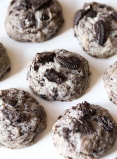 Oreo Cheesecake Cookies…super soft, loaded with Oreo cookies! They're like… Oreo Cheesecake Cookies…super soft, loaded with Oreo cookies! They're like little bites of cheesecake without the hassle! Oreo Desserts, Mini Desserts, Oreo Cookie Recipes, Baking Recipes, Delicious Desserts, Recipes With Oreos, Unique Cookie Recipes, Oreo Dessert Easy, Diabetic Desserts