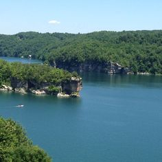 Summersville Lake WV....been there....boating. waverunner and swimming.