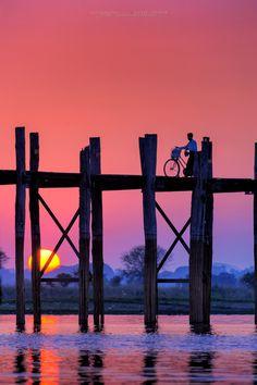 Sunset in Ubeng Bridge, Myanmar