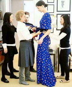 Designer Drop In: Carolina Herrera Fall 2014 Carolina Herera, Ch Carolina Herrera, Classic Outfits, Casual Outfits, Spring Fashion, Autumn Fashion, Celebrity Look, Skirt Fashion, Front Row