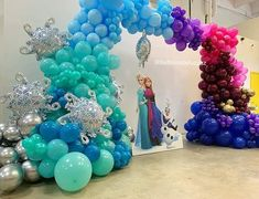 Frozen Birthday Party, Birthday Parties, Hanukkah, Wreaths, Instagram, Florida, Arch, Lights, Decorations