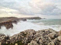 La mar talla la costa de la Virgen del Mar