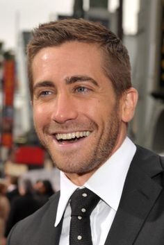 Jake Gyllenhaal-those eyes and that smile!