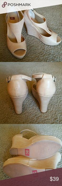 "BC Footwear Shoes Size 7 1/2 Good Condition   HEEL Height: 4.5"" Platform 1"" BC Footwear Shoes Platforms"