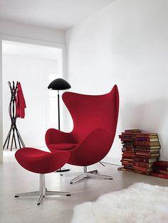 Arne Jacobsen Pracował Nad Konstrukcją Egg Chair Wiele Miesięcy. Jego  Pracownicy, Obserwując Jak Tworzy