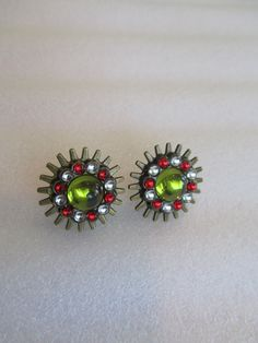 Lime Green Button Earrings, Button Earrings, Steampunk Earrings, Mothers Day Gifts, Steampunk Jewelry, Lime Green Prom Earrings, Earrings by BrownBeaverBeadery on Etsy