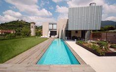 La forza della modernità. Innovazione in Provincia di Brescia #villa #x-lam #moderno #pietra #legno