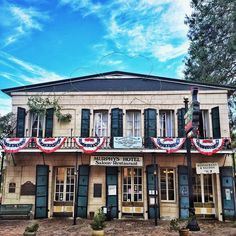 Murphys, a former mining town in California's Sierra Foothills, has an under-the-radar wine scene, picture-perfect main drag, and rad old hotel with an open-air bar out back.