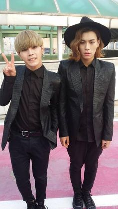 Hansol and A-Tom ♥ A-Tom's face though!!!! :)