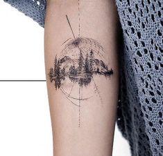 Minus the globe - Tattoo ideen - Tatouage Model Tattoos, Sketch Style Tattoos, Body Art Tattoos, New Tattoos, Tatoos, Tiny Tattoos For Women, Small Tattoos, Tattoos For Guys, Globus Tattoos