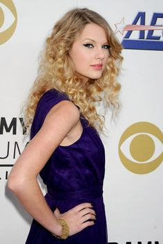 Taylor Swift Web Photo Gallery: Click image to close this window Taylor Swift Fearless, Taylor Swift Web, Taylor Alison Swift, Taylor Swift Gallery, Taylor Swift Pictures, Grammy Nominations, Her Music, Role Models, Red Carpet