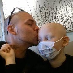 un papa se fait tatouer la cicatrice de son fils pour booster sa confiance en lui  2Tout2Rien