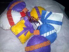 Bolas y regalos fieltro Balls, Felting, Presents