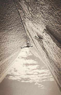 The grand illusion and harsh reality »GRAND ILLUSION« 8A   LAKE TAHOE #Mammut #RockClimbing #Climbing #MirkoCaballero #TonyYaniro #USA #Tahoe #ReclimbingTheClassics