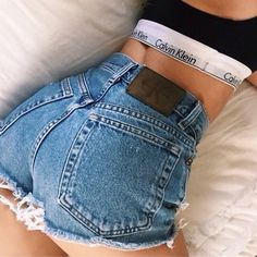 Calvin Klein Distressed high waisted shorts Vintage Super cute distressed them myself. With one leather pocket. Says size 6 but would best fit a size Not from lf LF Shorts Calvin Klein Outfits, Calvin Klein Jeans, Calvin Klein Women, Look Fashion, Fashion Outfits, Womens Fashion, 90s Fashion, Fashion Flats, Fashion Beauty