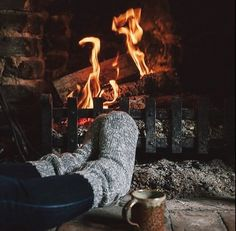 Happy Winter Solstice, Tattoo Photography, Mince Pies, Cozy Fireplace, Mulled Wine, Warm Blankets, Nouvel An, Slow Living, Getting Cozy