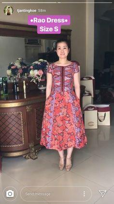 Batik Kebaya, Batik Dress, Fashion Ideas, Women's Fashion, Batik Fashion, Ethnic Dress, Cape, Sewing Patterns, Hairstyles