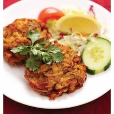 Onion Bhaji& are one of the easiest and tastiest Indian side dishes to make. If you have a few onions and half hour to spare then these are worth making. They are so much nicer than shop bought ones. Onion Bhaji Recipes, Chutney Recipes, Curry Recipes, Vegetarian Recipes, Cooking Recipes, Vegetable Recipes, Veggie Meals, Savoury Recipes, Vegetable Dishes