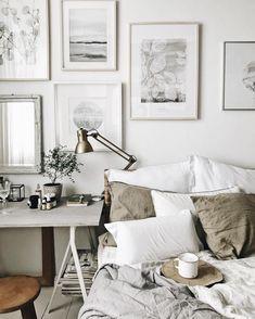 Morning ✨ But first coffee ✨ Dzisiaj można wreszcie popracować a i nogi odpoczną ;-) ale najpierw ☕️ pięknego dnia dla Was ✨ . All prints…