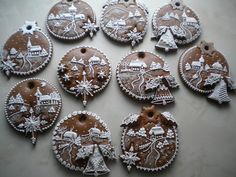 Baňky Gingerbread Decorations, Gingerbread Cookies, Angel Cookies, Christmas Gingerbread House, Biscuits, Christmas Sugar Cookies, Fancy Cookies, Cookie Designs, Cute Cakes