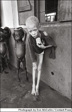 child in biafra 1969 | foto: don mccullin
