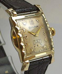Gorgeous Deco 1956 Bulova Scalloped Bezel Gold Dial