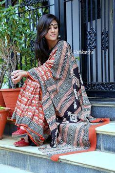 Bagh sari.. handloom love Stylish Sarees, Indian Attire, Saree Styles, Cotton Saree, Indian Girls, Indian Sarees, Fashion Outfits, Womens Fashion, Dress Codes